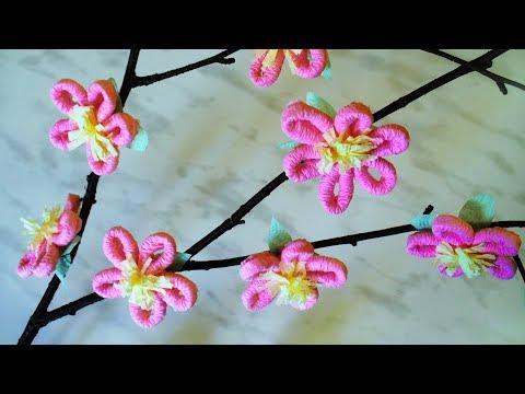 Ветка с цветами из бумаги