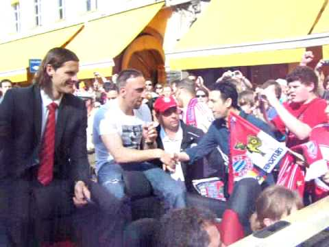 Daniel van Buyten & Frank Ribery - Fc Bayern Double Meisterfeier - 23.05.2010