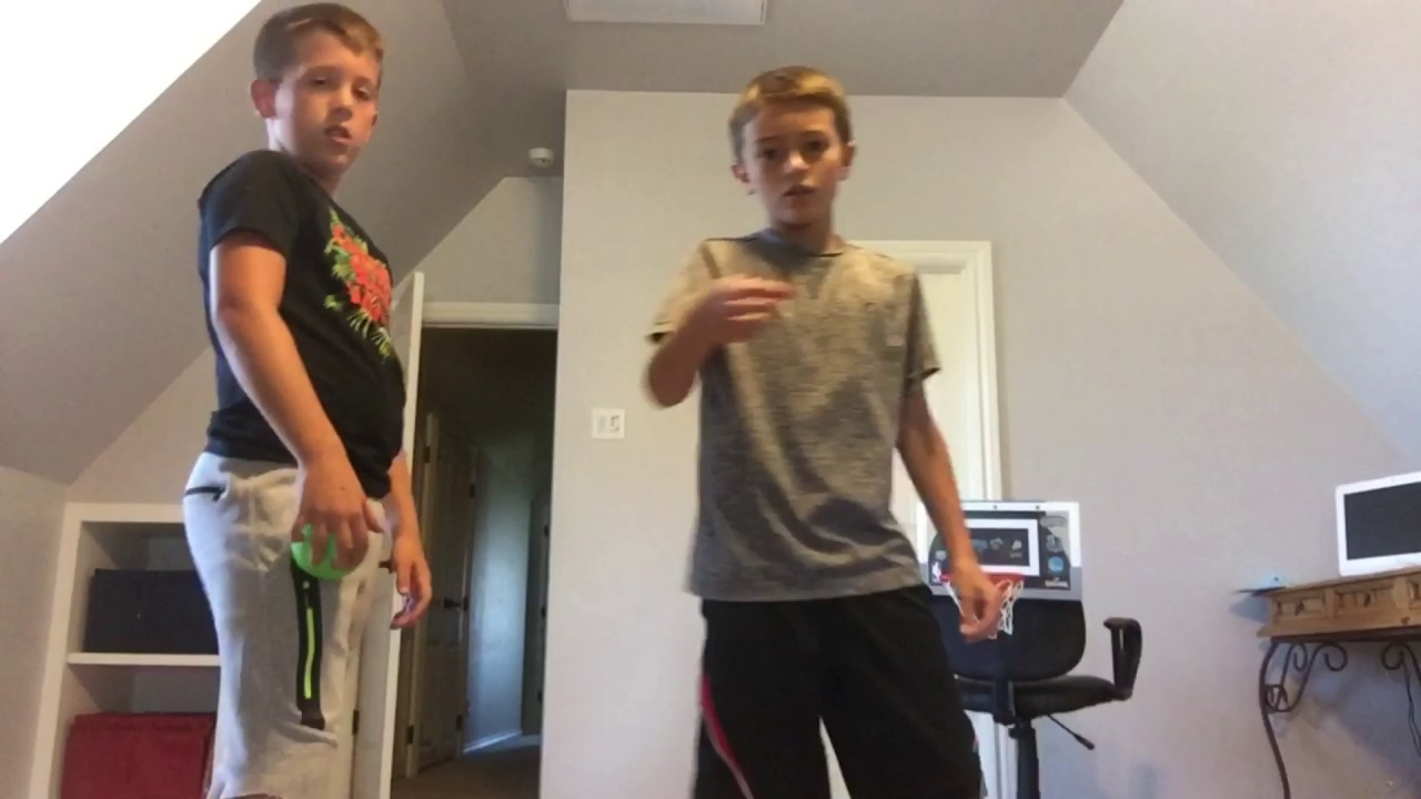 Trick shot competition