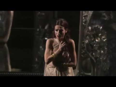 """Davinia Rodríguez sings """"Dis moi que je suis belle"""" (""""Thaïs"""", By Massenet)"""