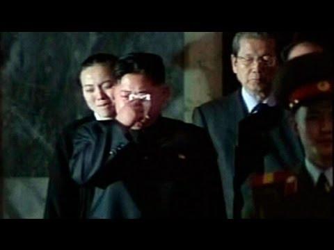Líderes surcoreanos riden honores Kim Jong-Il
