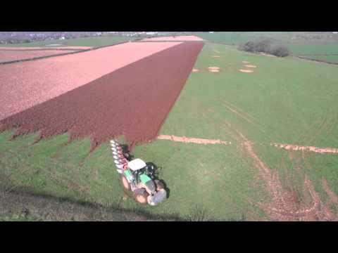 Ploughing Fendt 828 & Kuhn Plough