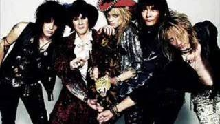 Watch Hanoi Rocks Teenage Revolution video