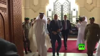 لحظة استقبال أمير قطر الشيخ تميم بن حمد آل ثاني للرئيس التركي أردوغان