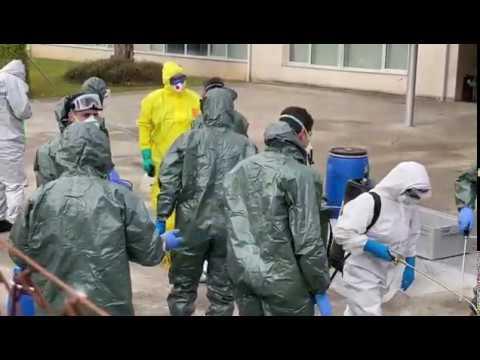 El ejercito desinfecta la residencia de Barreiro