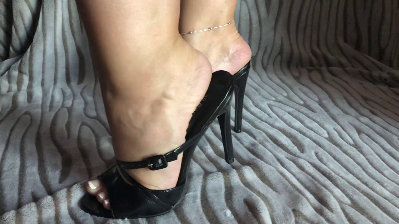 Black mule sexy mature feet