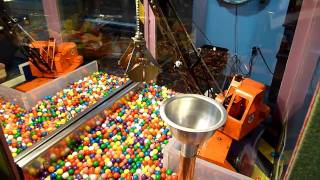 Magnet-based mechanical gumball machine @ Mechanical Museum