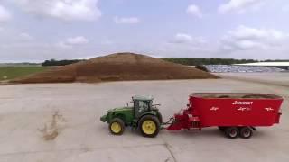 Futtermischwagen - Automatische Fütterung - interaktive Company film TRIOLIET