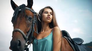 Download Video Girl and Horse MP3 3GP MP4