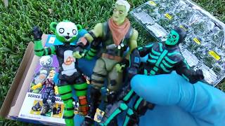 Fortnite Fridays! Jazwares 5-Pack: Brainiac, Spooky Team Leader, Green Skull Trooper, Raptor, Drift!