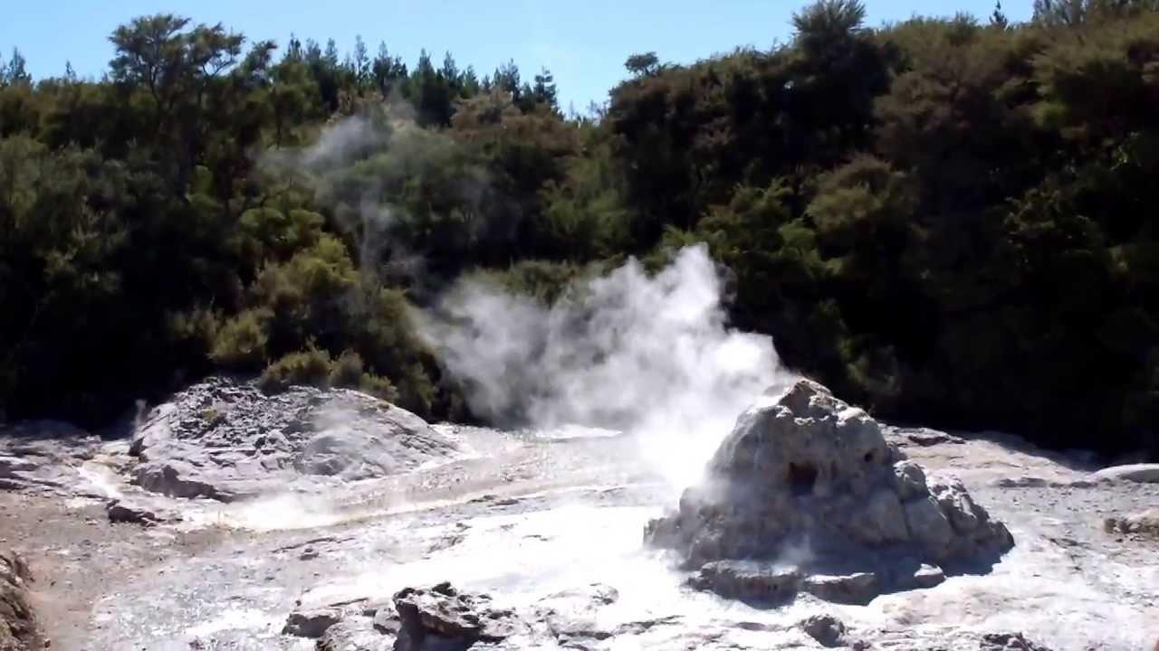 הטבח בניו זילנד Facebook: התפרצות גייזר בניו זילנד