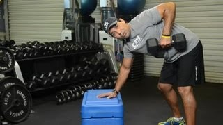 Two Exercises That Can Be Used to Strengthen the Latissimus Dorsi : Exercise Routines