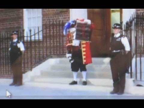 CRHnews - Town Crier proclaims Royal baby Prince George and much much more!