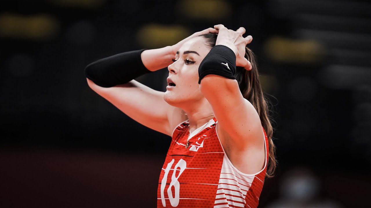 Zehra Gunes | Beautiful and Talented Volleyball Player