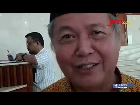 Dua Sisi Karikatur Jokowi dan Siluet Pinokio