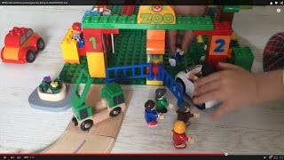 Brio Train And Bus Passengers Are Going To Lego Duplo Zoo