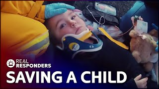 Mother And 3 Children Crash Into A Tree | Emergency Down Under | Real Responders