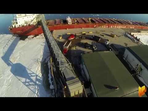 Freighter Salarium Unloading