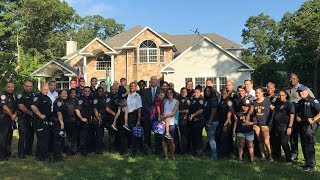 Over 30 Officers Escort Kids of Slain Cop to First Day of School