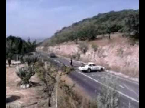Accidente de un Porsche de Carrera Panamericana 2012