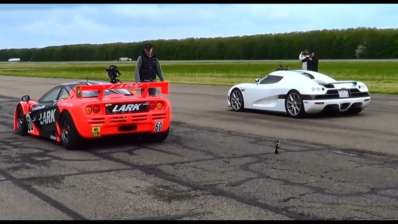 McLaren F1 GTR vs Koenigsegg CCX + acceleration sounds - YouTube