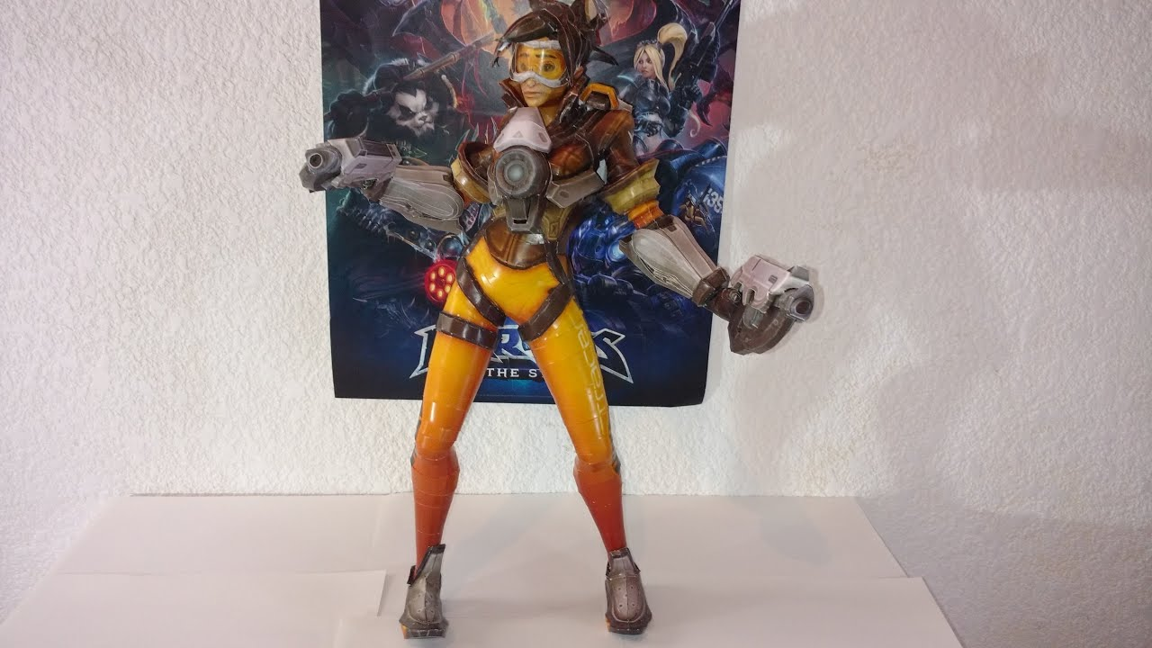 Papercraft I Made a Papercraft Model of Tracer [ Overwatch / Heroes of the Storm ]