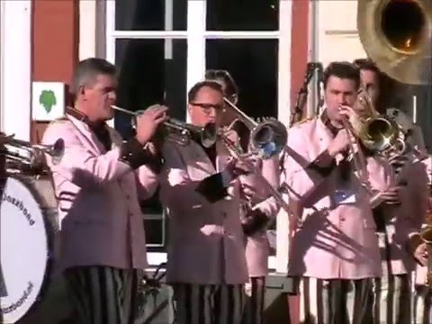 The OhnO! Jazzband meets Queen Maxima & King W-A