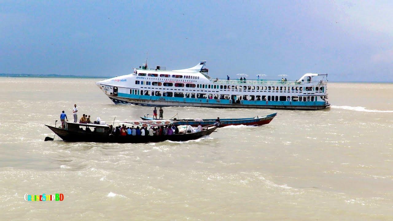 উত্তাল তিন নদীর মোহনায় চাঁদপুর থেকে চরভৈরবী যাত্রী নিয়ে ছুটছে | এম ভি বোগদাদীয়া_৯ | Cruise Ship BD