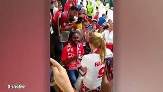 بالفيديو.. شاب يطلب يد حبيبته خلال مباراة كأس العالم - صحيفة صدى الالكترونية