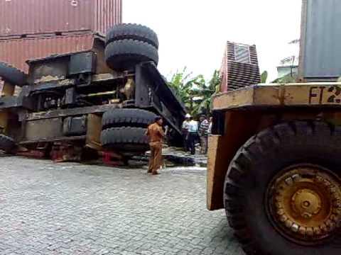 Unbelivable, Only in Sri Lanka - (SLPA) Container Freight Station in Peliyagoda