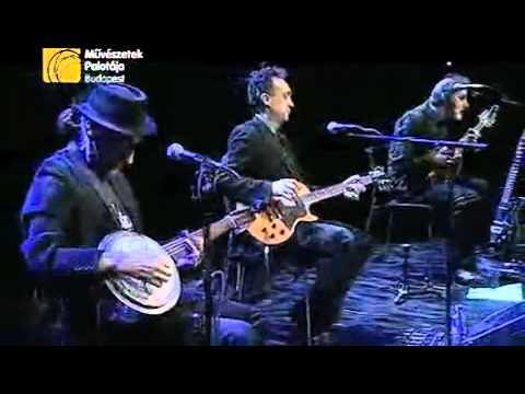 Les Triaboliques -rivermudtwilight