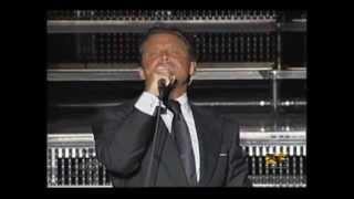 Luis Miguel & La Lluvia. Kacee, su corista, comparte un mome...