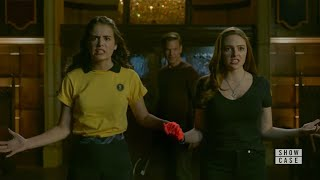 Legacies 1x03 Hope and Josie Defeat the Gargoyle