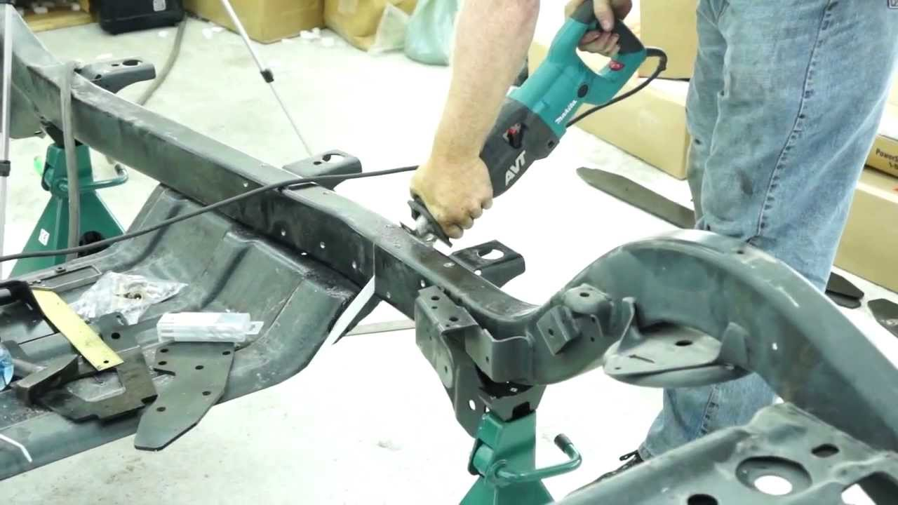 Jeep Wrangler Tj Build >> Cutting the Jeep Frame for the Brute Build - YouTube
