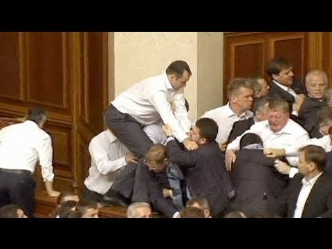 Ucraina nuove risse in parlamento viyoutube for Elezione parlamento italiano