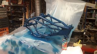 Rungon maalaus! │ Aprilia SX 125 Projekti Osa 3!