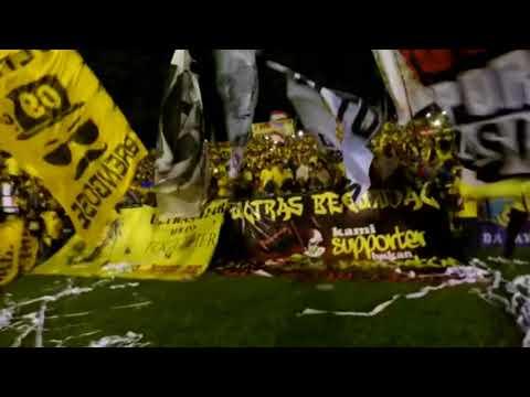 KEKOMPAKAN Suporter Ultras Gresik Bikin MERINDING..!