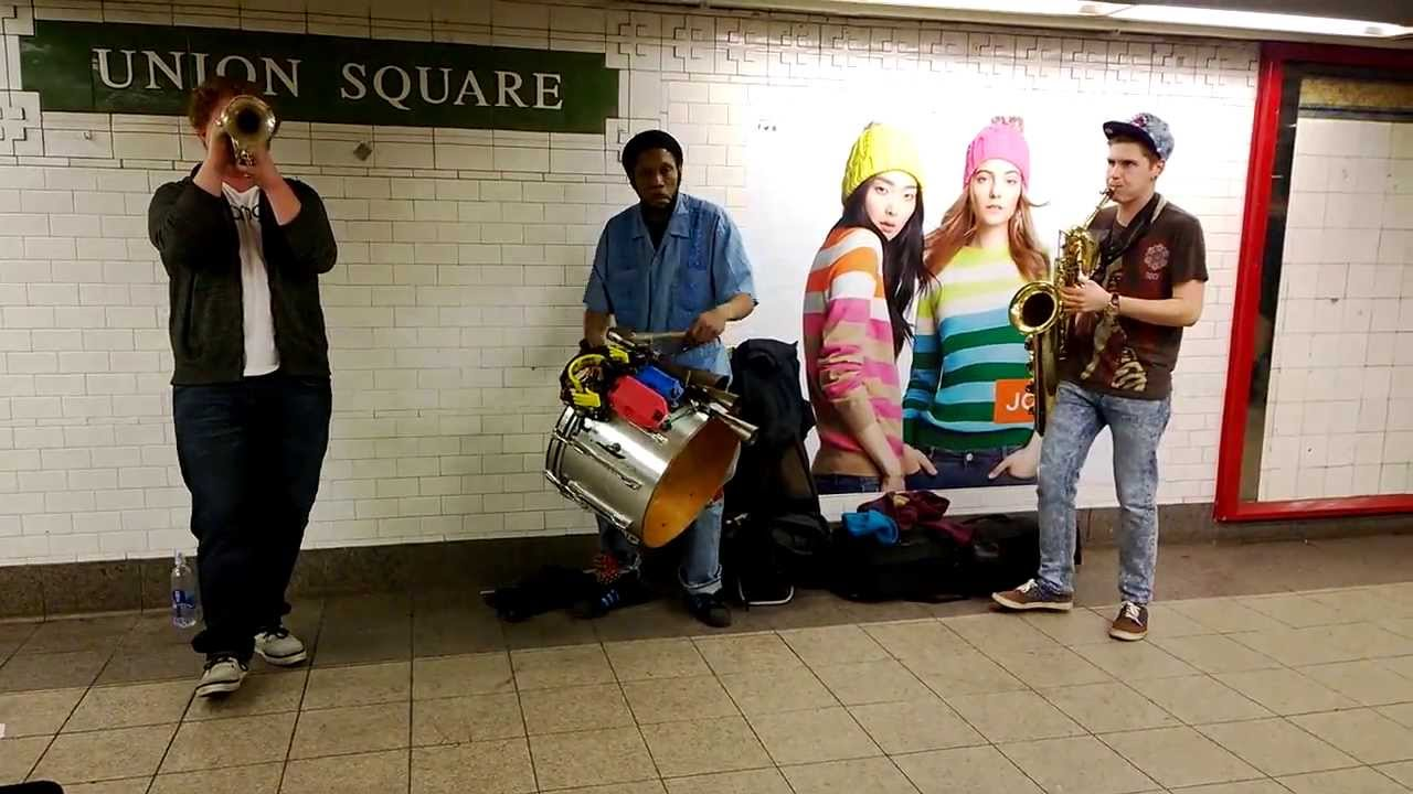 Snapshots: A Little Street Music - The Fiery Redhead Blog