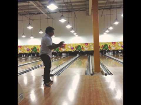 Hernán Hace Una Chuza En Bowling Youtube