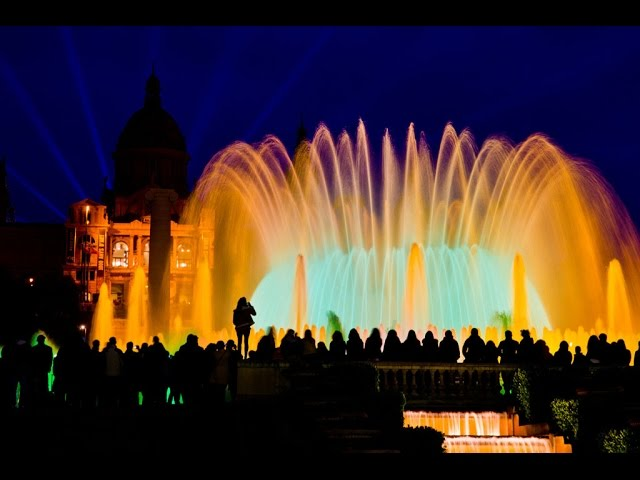 Поющий фонтан Монжуика в Барселоне / Magic Fountain of Montjuïc Barcelona