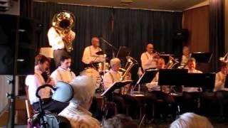 de Optimisten spelen de Kazan polka, solist Ronald Wieskamp