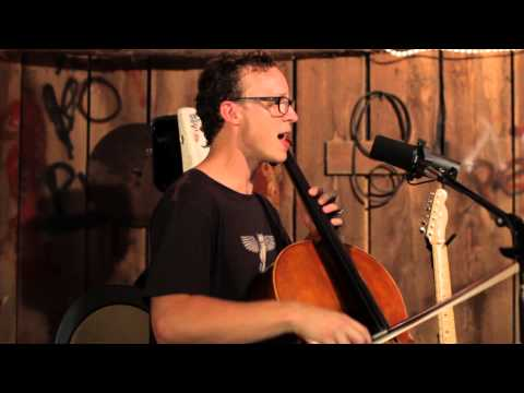 Ben Sollee - Bury Me With My Car (Live in a Barn)