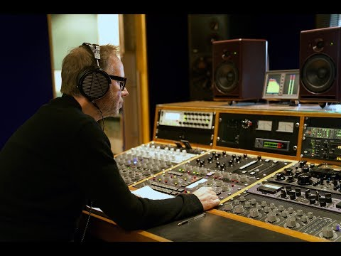 Stuart Hawkes and the Audeze LCD-MX4