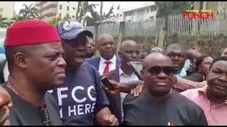Uproar as Fayose arrives EFCC office | Punch