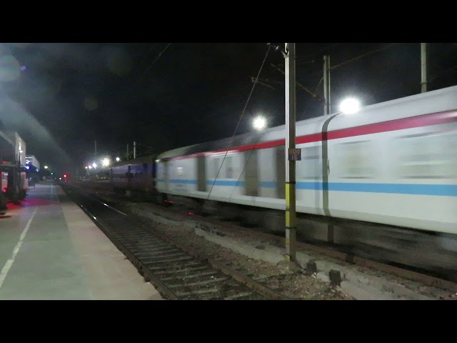230 Kmph Crossing between Elite Duronto and Shivganga Express clefts the night silence at phaphund