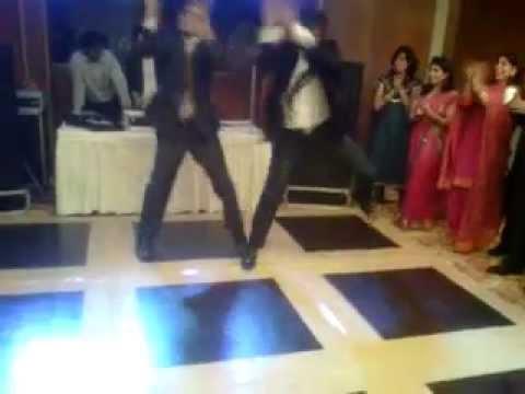 punjabi dance at indian wedding(sadi gali)