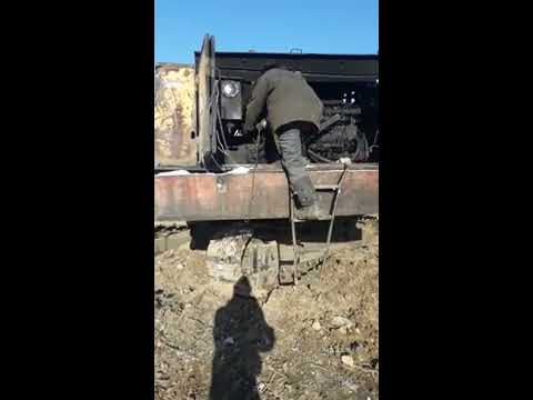 Запуск  с пускача экскаватора ЭО 4124  25 тонн, вручную. Двигатель А 01 scrap Old russian excavator