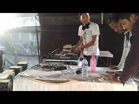 Dj nitin babli in war of dj(winner)at somaiya collage mumbai