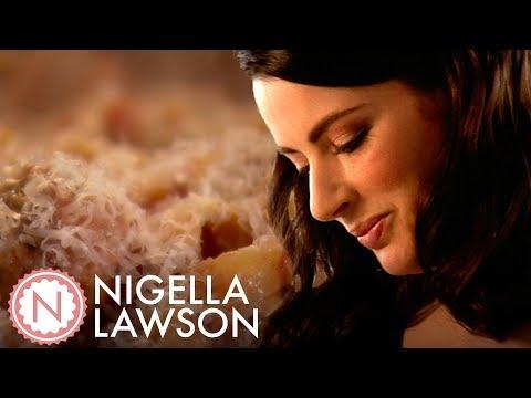 Nigella Lawson's Homemade Spaghetti And Meatballs | Nigella Bites