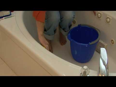general housekeeping how to clean a fiberglass tub youtube. Black Bedroom Furniture Sets. Home Design Ideas